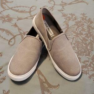 Steve Madden Zarayy Slip On Sneaker size 9.5